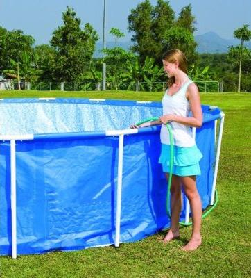 Vul het zwembad met water